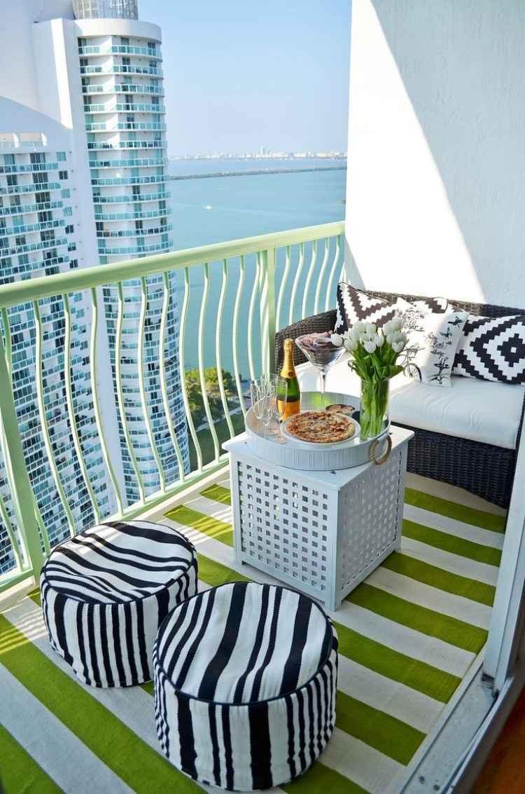 belleza pura balcon pequeno blanco negro taburetes ideas