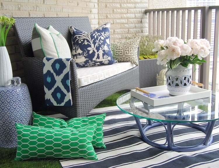 belleza pura balcon pequeno mesa crital alfombra ideas