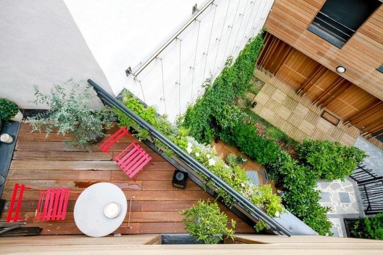 belleza pura balcon pequeno sillas rojas ideas