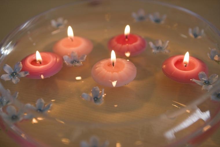 Velas flotantes para decorar treinta y ocho ideas for Velas flotantes piscina