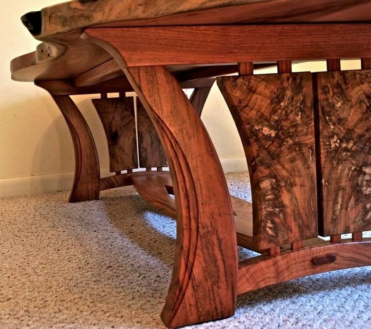 bonito dieño mesa madera tallada