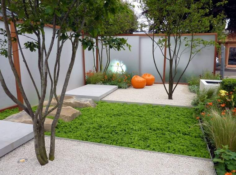 Patios interiores peque os ideas para una decoraci n moderna Antejardines pequenos fotos