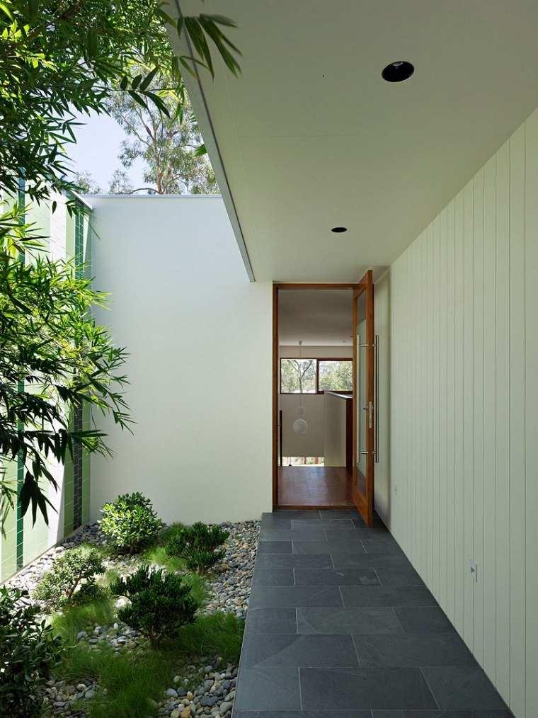 diseño patio interior pequeño