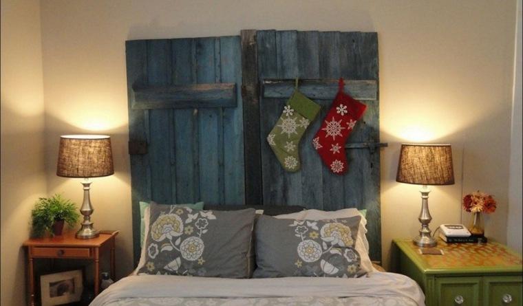 cabecero puertas azules madera viejas