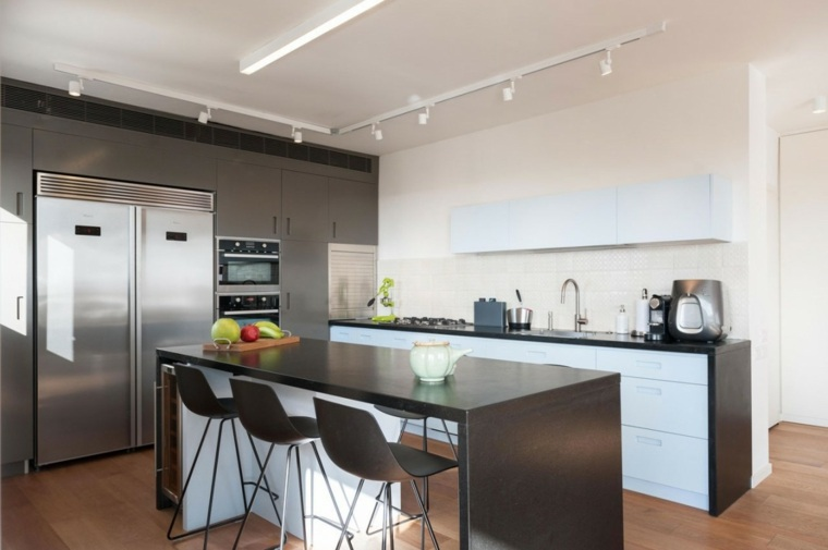 cocina blanca encimeras negras moderna bonita