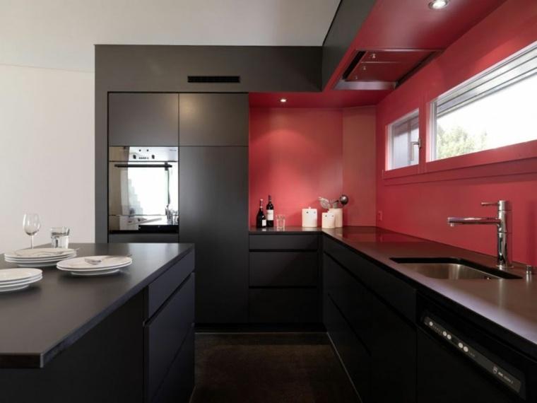 cocina negra pared salpicadero roja