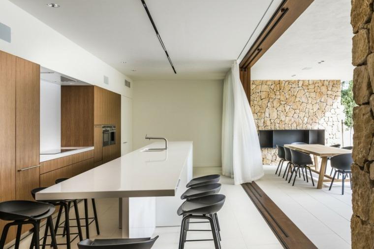 cocina preciosa isla blanca armarios madera casa espana juma design ideas