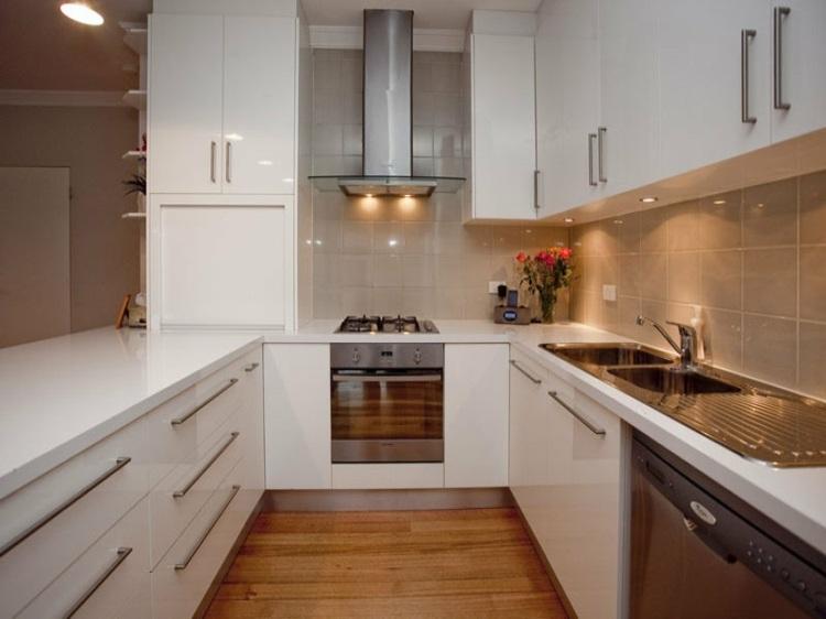 cocinas en u muebles blanco gavetas