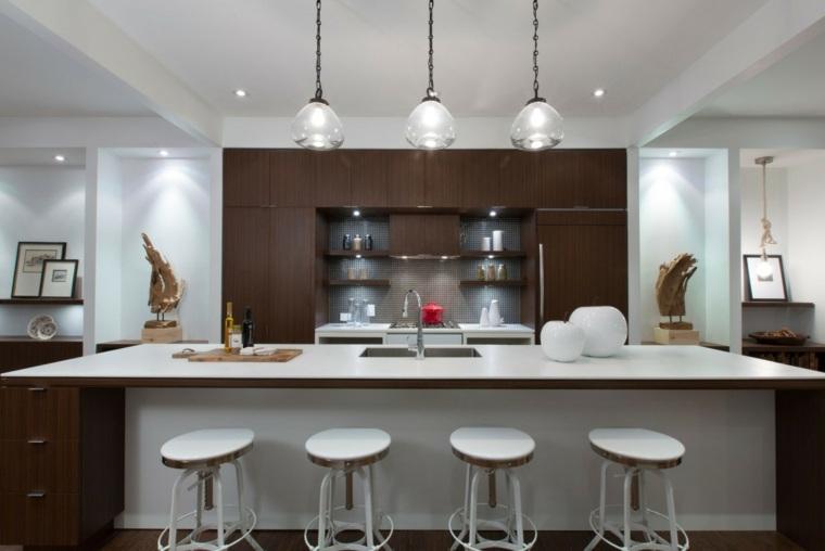 Cocinas sencillas la inspiraci n que necesita for Taburetes isla cocina