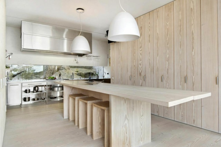 cocina sensilla madera mesa taburetes armarios ideas