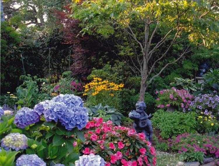 combinadas jardines elegantes estatuas colores
