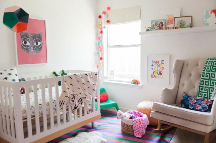 como decorar una habitacion de bebe colorida especial cuadros