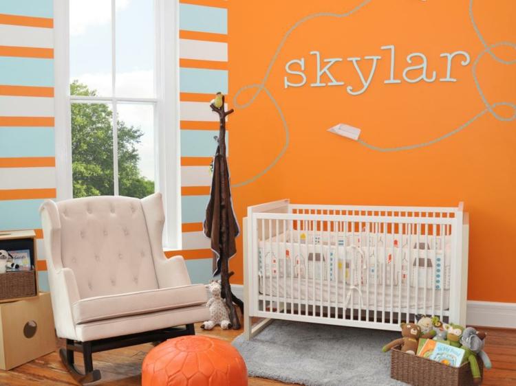 como decorar una habitacion de bebe lineas pequeña naranja espejos