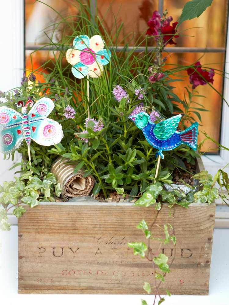 Como hacer manualidades sencillas para el jard n Adornos jardin reciclados