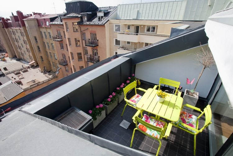 conjunto muebles terraza amarillos