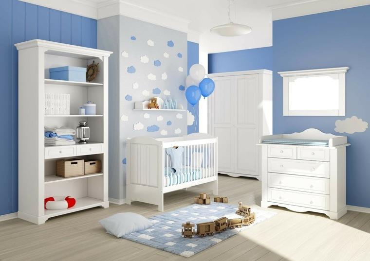 paredes azules en la habitación de bebé