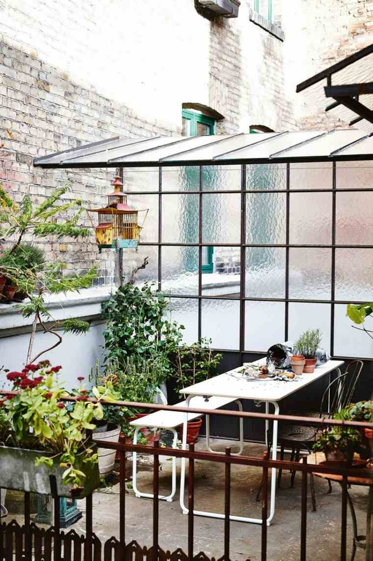 decoración terraza jaula muebles