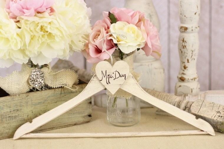 decoracion boda vintage percha tarro flores ideas
