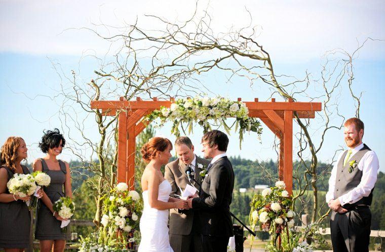 decoracion boda vintage pergola madera flores ideas
