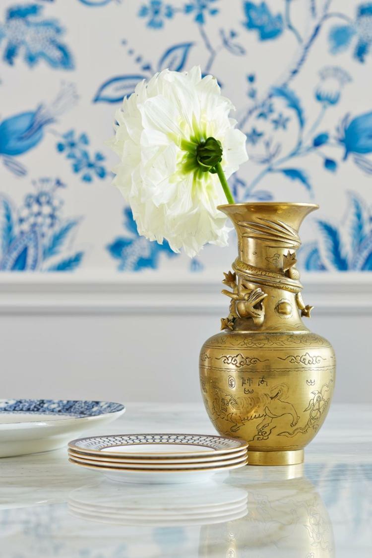 decoracion vintage de interiores jarrones dorado