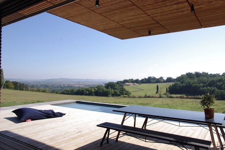 decorar terraza mesa bancos negro simple ideas