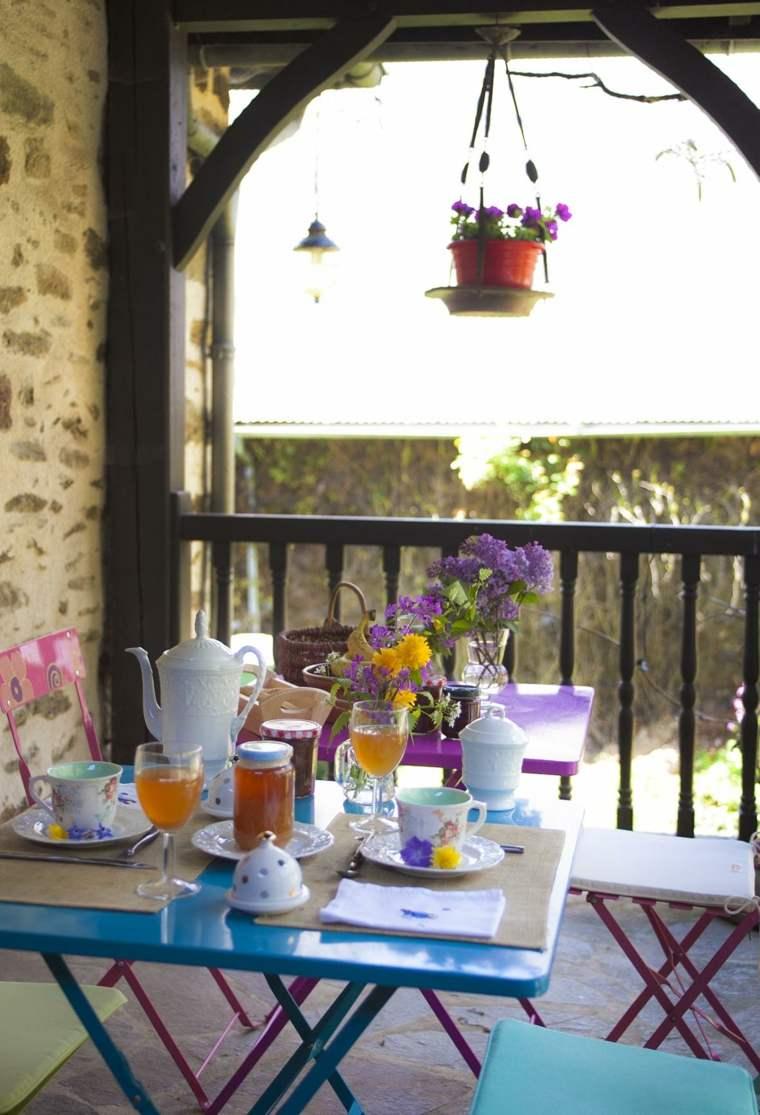 decorar terrazas pequeñas muebles acero distintos colores ideas