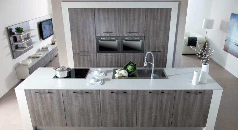 muebles de cocina con laminado de madera gris