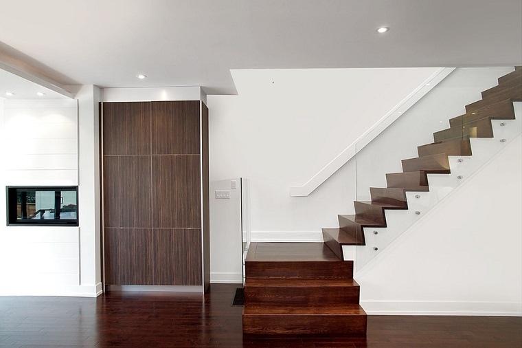 diseo escaleras madera barnizada