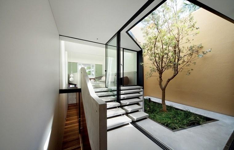 Patios interiores peque os ideas para una decoraci n - Jardines interiores pequenos ...