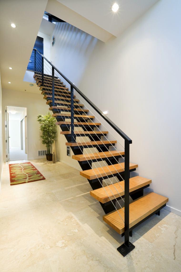 escaleras negras peldaos madera