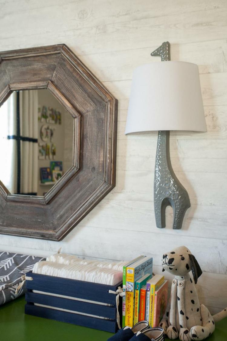 espejo perro puertas colores dalmata luminarias