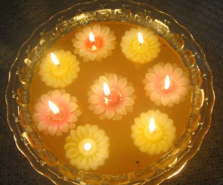 estupendas velas forma flor