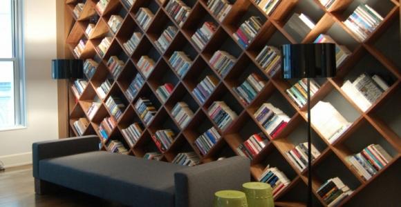 Bibliotecas grandes para salas de estar modernas