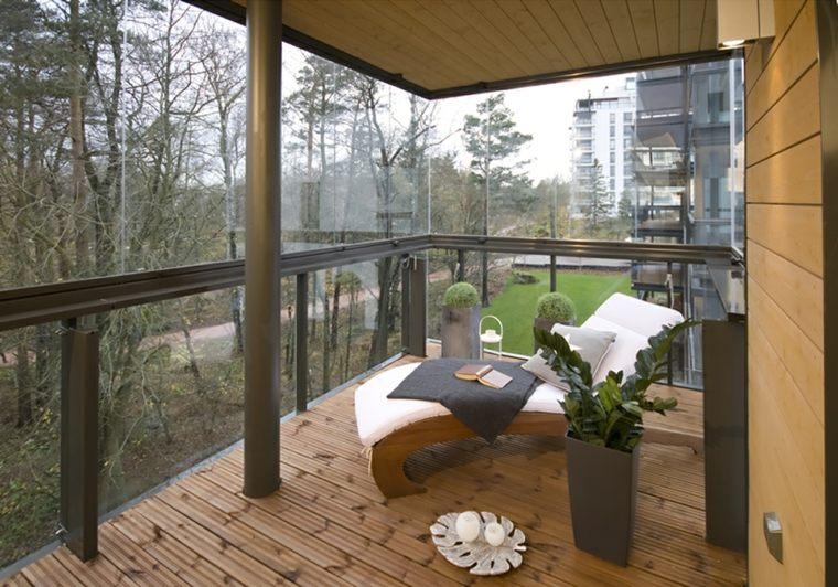 estuopendo balcón pequeño acristalado