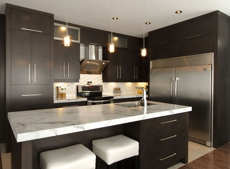 forma cocinas diseno L color marron oscuro ideas