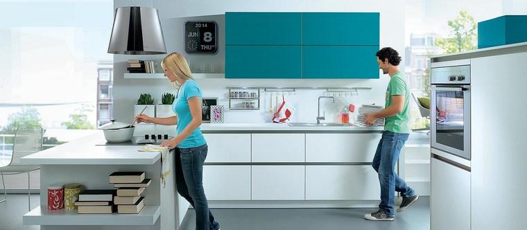 forma cocina diseno L toques azul ideas