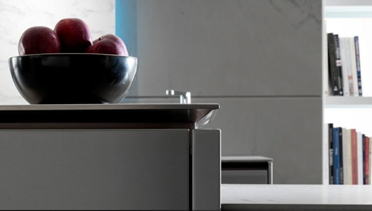frutas casas detalles coloridos grises rojos