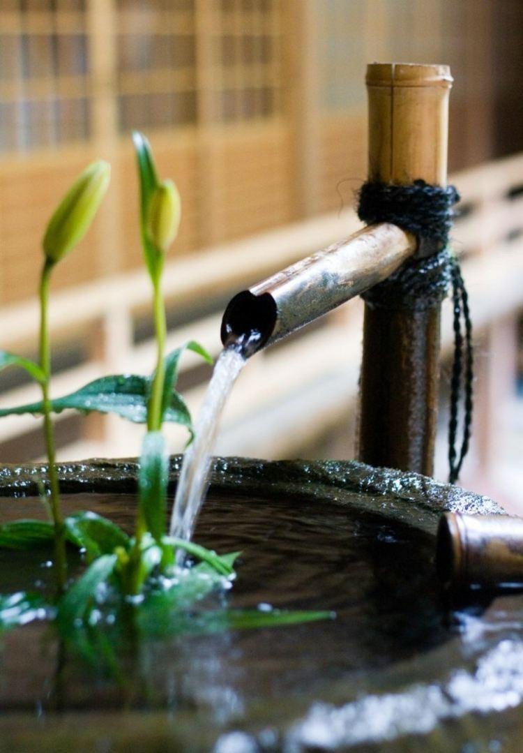 fuente estilo Zen bambú
