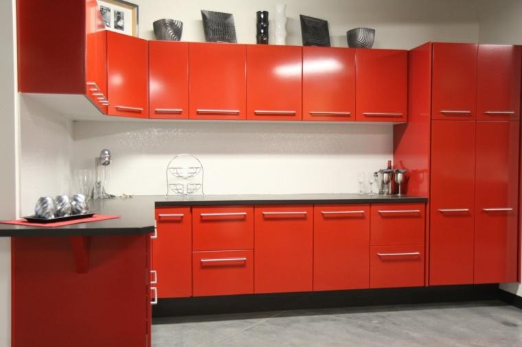 gabinetes cocina color rojo intenso