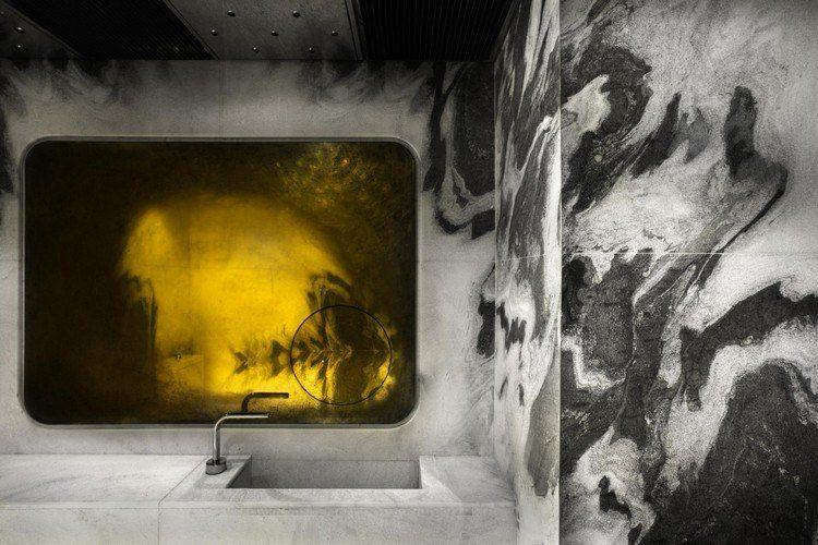 hoteles con encanto maderas casas negro amarillo