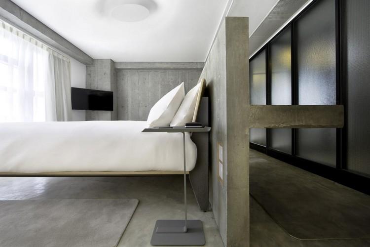 hoteles con encanto salones detalles habitacion almohadones
