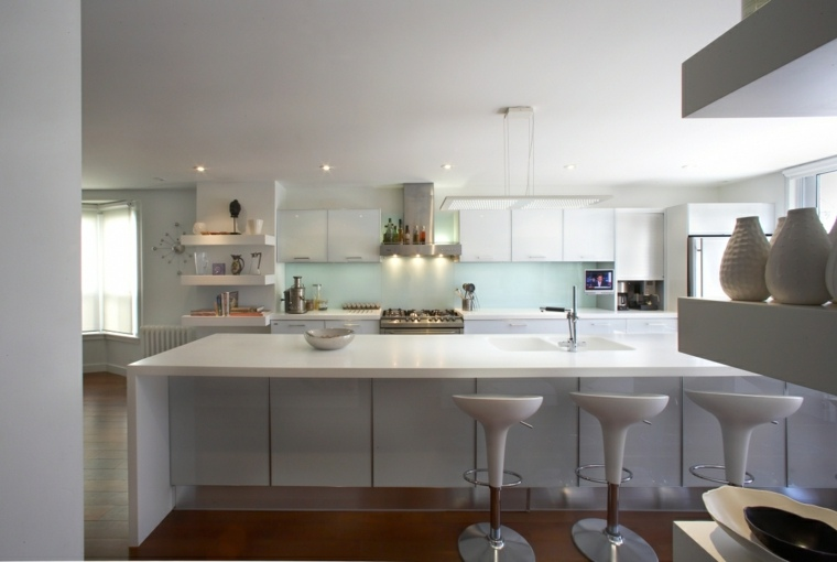 ideas cocinas isla sillas blanca moderna