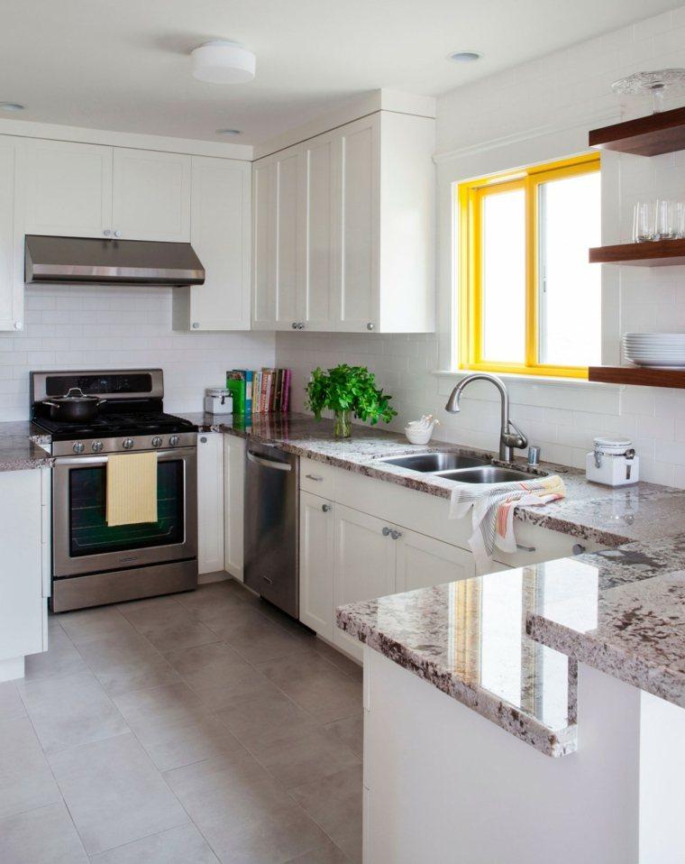 pequenas cocinas ventana amarilla ideas