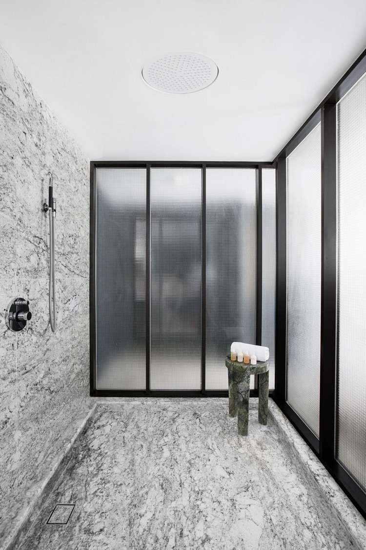 interiores duchas diseños casas sillas