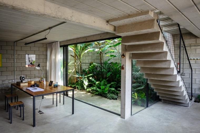Patios interiores peque os ideas para una decoraci n for Jardines interiores de casas modernas