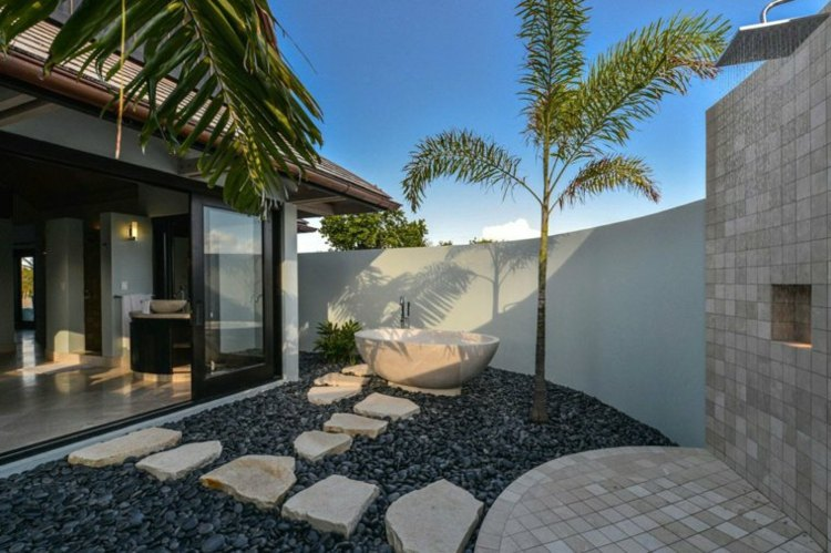 jardin pequeno interior banera blanca aire libre ideas