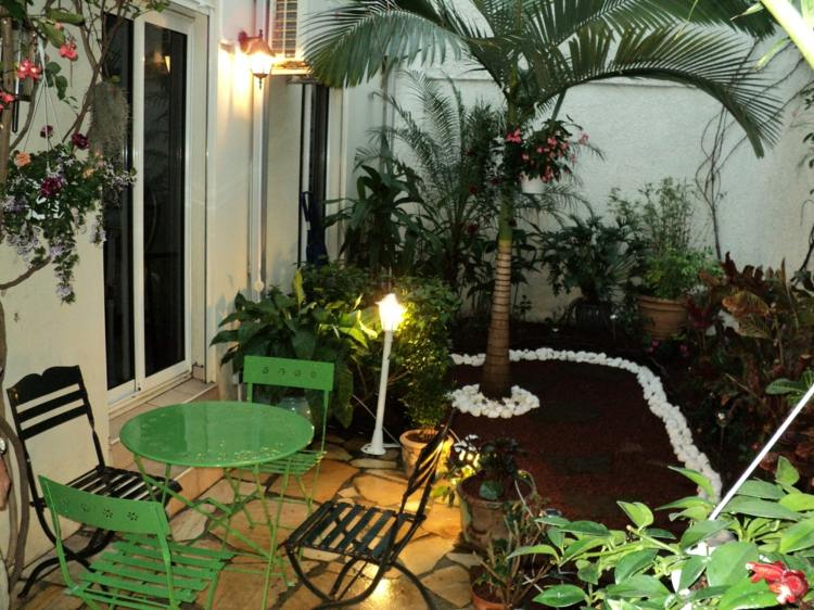 Jardines peque os ideas modernas 50 dise os - Muebles para balcon pequeno ...