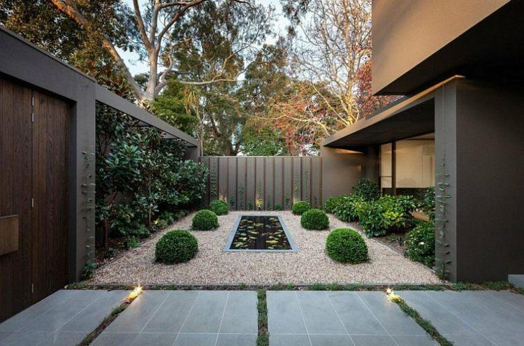 jardin pequeno interior paredes oscuras ideas