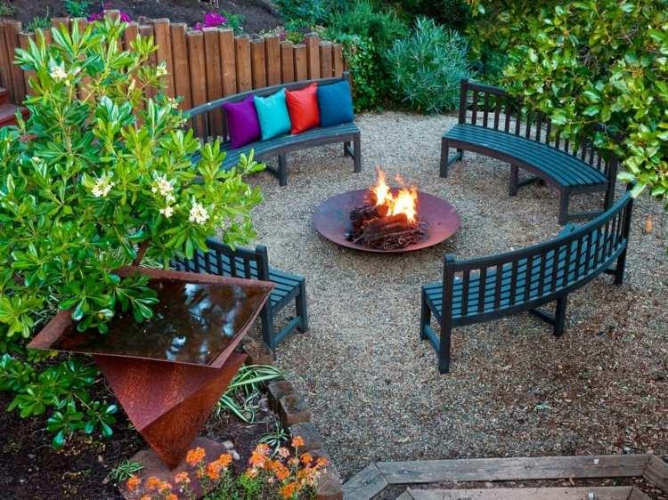 jardin pequeno interior plato fuego bancos ideas