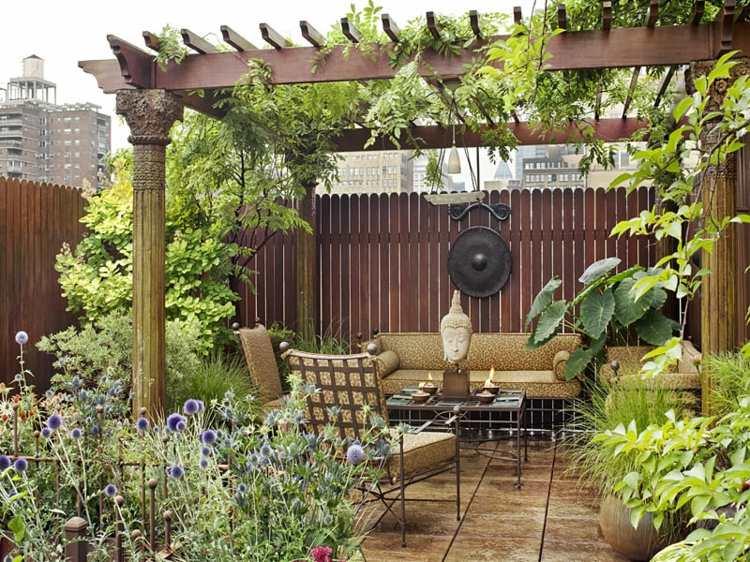 jardin pequeno muebles acero negro pergola ideas